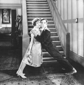 Virginia Fox and Buster Keaton dans The Electric House /Frigo à l'électric Hôtel (1922) - First National Pictures