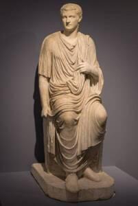 Caligula en toge - Musée du Louvre - Sunappu-shashin