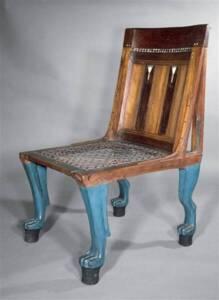 Chaise d'apparat avec pieds en forme de pattes de lion - Photo (C) RMN-Grand Palais / Les frères Chuzeville - Musée du Louvre