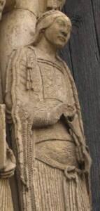 Chartres, femme portant un bliaud - PKM