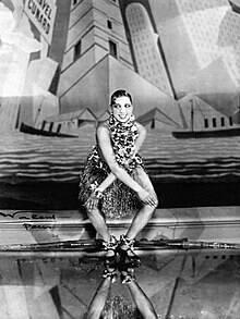 Joséphine Baker dansant le charleston aux Folies-Bergère, à Paris - Revue Nègre Dance (1926).  Walery, Polish-British, 1863-1929